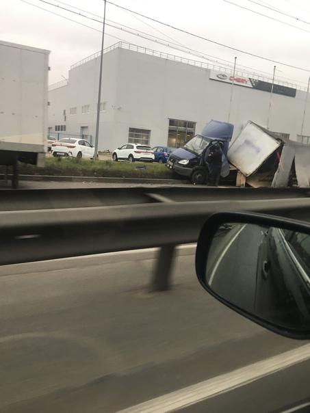 Авария с Газелью.На Московском шоссе пробка огромн...