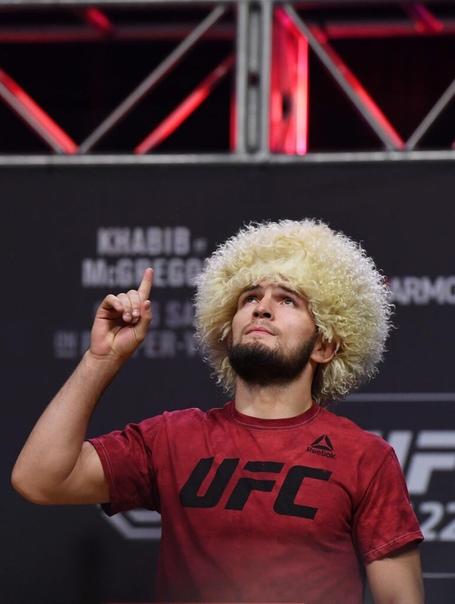 Хабиб Нурмагомедов поиздевался над Дональдом Серроне, который вскоре встретиться в октагоне с Конором Макгрегором В видео, опубликиванном в аккаунте UFC на выходных, «Ковбой» признался, что