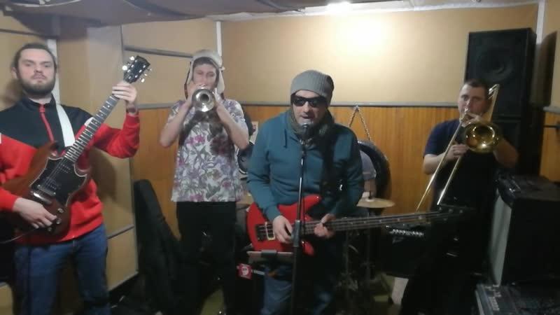 Группа Barra Brava 22 февраля в Saxare на 2 этаже КРК Мегаполис