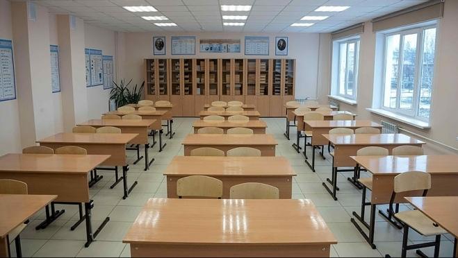 Выпускники сдают ЕГЭ по русскому языку
