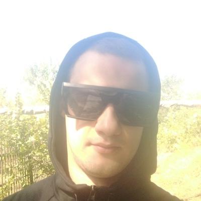 Паша, 20, Luhansk