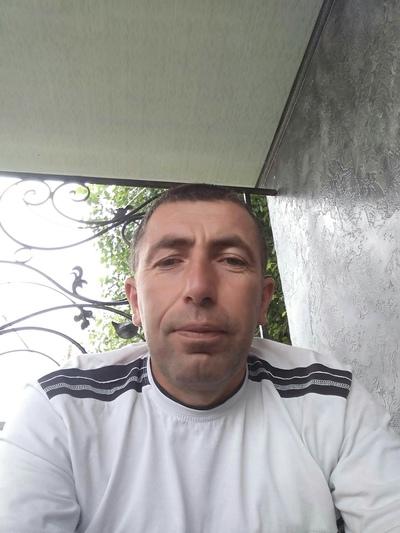 Artur, 43, Gavarr