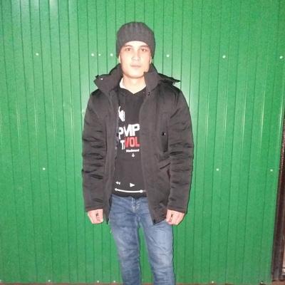 Islombek, 23, Andijon