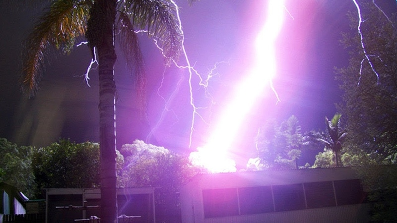 4 MINUTES OF PEOPLE ALMOST STRUCK BY LIGHTNING