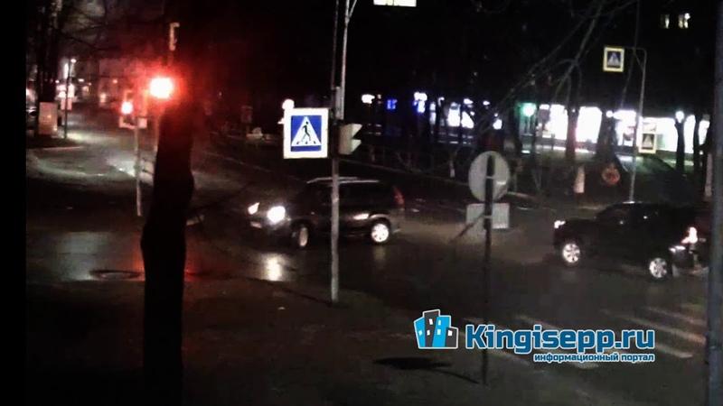 1 нелепое ДТП в Кингисеппе возле полиции Видео момента столкновения с веб камеры