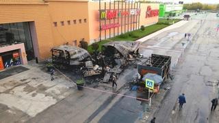 В Самаре сгорели торговые павильоны возле ТРК «Амб...