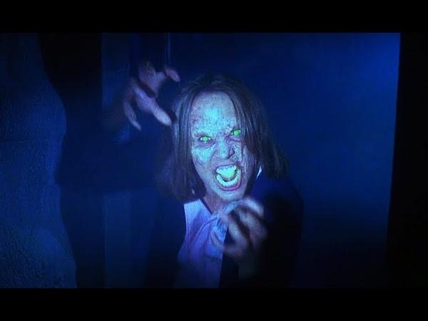 Ты сломал печать Демоны попадают в дом Байки из склепа Демон ночи 1995 Момент из фильма