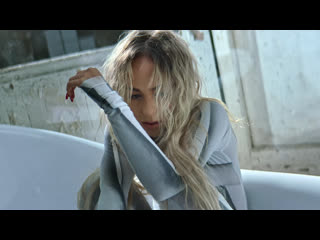 Премьера клипа! Мари Краймбрери - Пряталась в ванной ()
